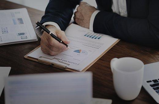 La SF Business Advisor, avvalendosi della collaborazione di professionisti del settore fornisce servizi di consulenza amministrativa e fiscale