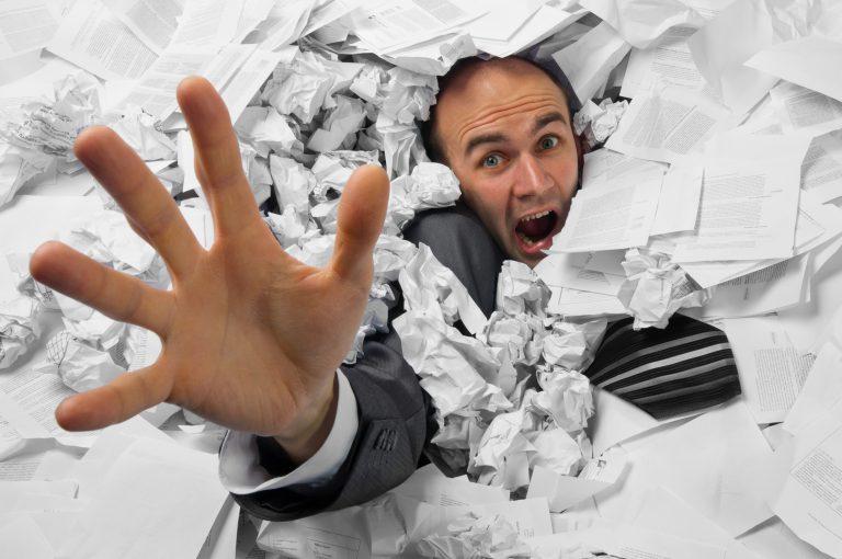 Il Testo Unico in materia di tutela della salute e della sicurezza nei luoghi di lavoro identifica lo stress lavoro correlato come uno dei rischi che devono essere valutati e gestiti all'interno delle aziende.