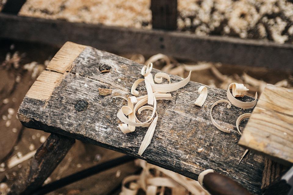 Le polveri di legno rappresentano un rischio talvolta sottovalutato in azienda, connesso soprattutto alla loro inalazione