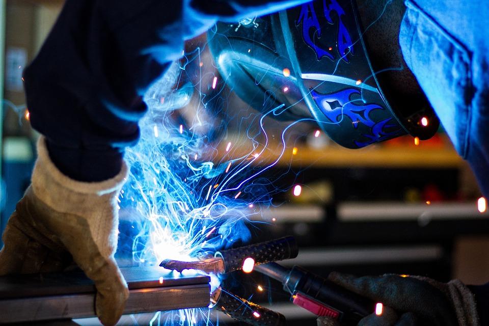 Formazione e precauzioni di sicurezza prima, durante e al termine dei lavori a caldo